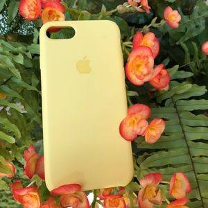 iPhone 7 Silicone Case in Mellow Yellow